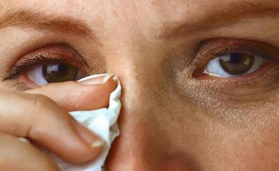 Закисает глаз у взрослого лечение в домашних условиях thumbnail