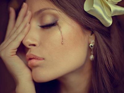 Как заплакать специально и быстро на сцене