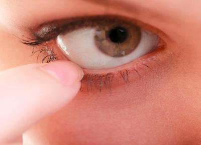 Как снять отк глаза после укуса мошки