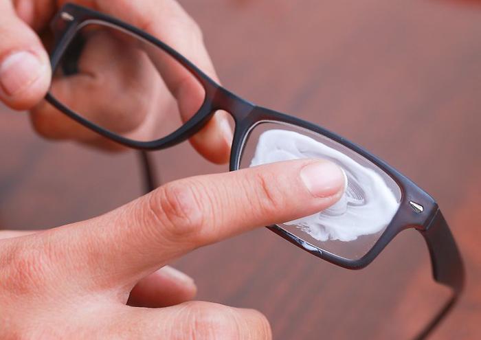 Полировка линз очков зубной пастой